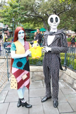 Ducky_Momo_2012_Halloween_01_Jack_and_Sally