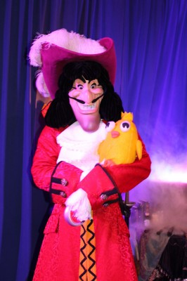 Ducky_Momo_2012_Halloween_02_Captain_Hook